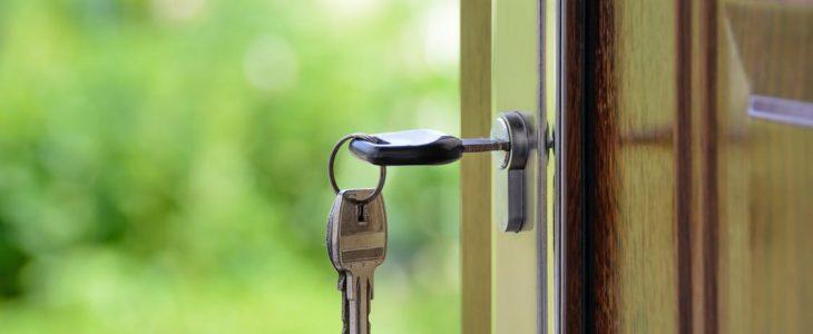 seguridad puerta exterior