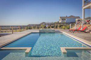 Piscinas de obra y piscinas prefabricadas: qué necesitas saber